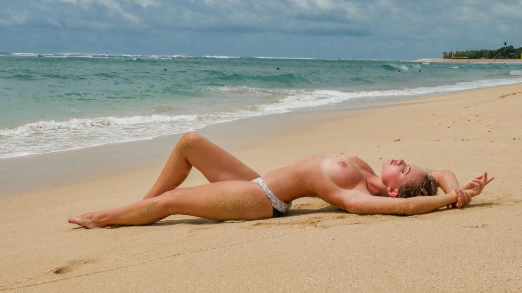 Nicole Ross On The Nusa Dua Beach