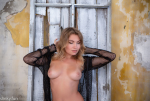 Teen Playboy model girl with big tits& Playmate model nude sexy no porn
