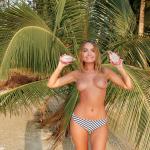 Nude model Nicole Ross