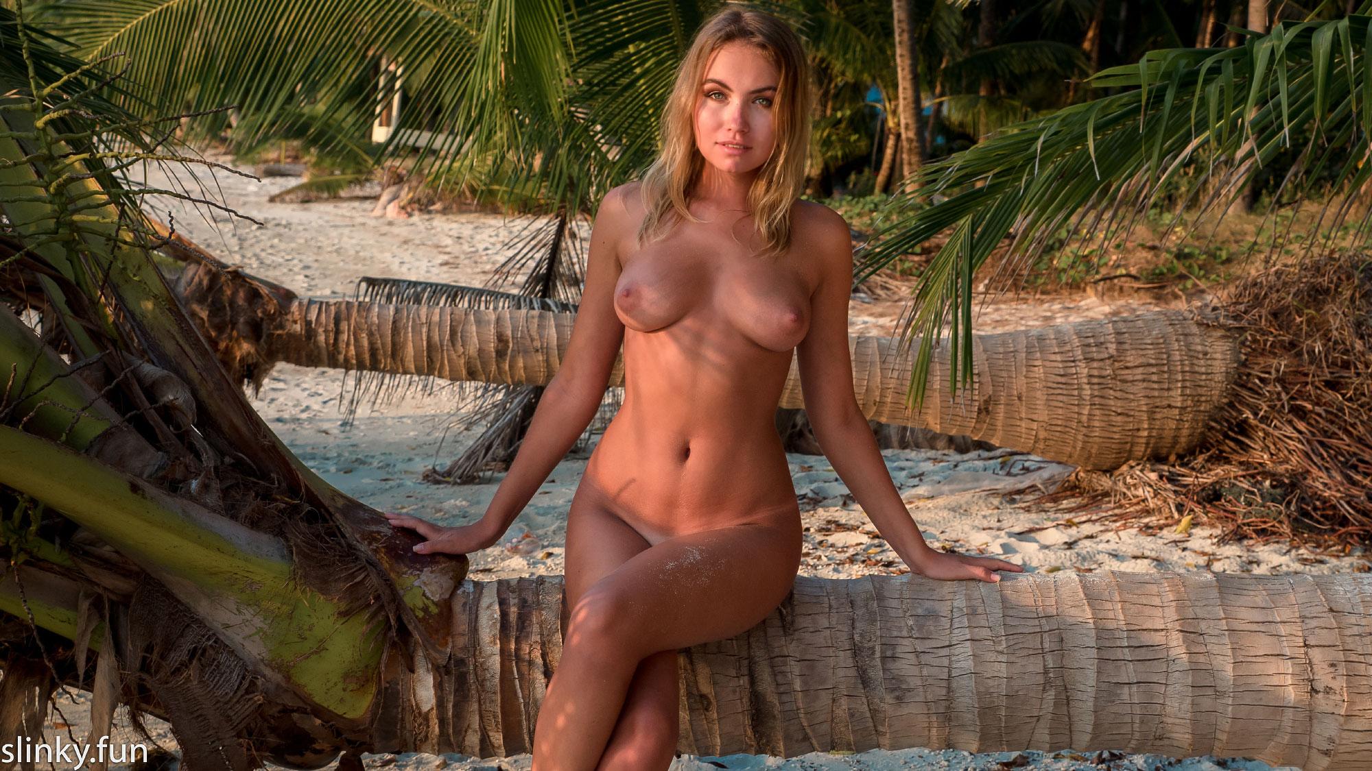 Model nicole nude