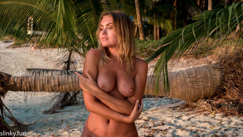 Naked Nicole Ross