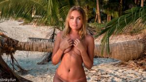 Nicole Ross model