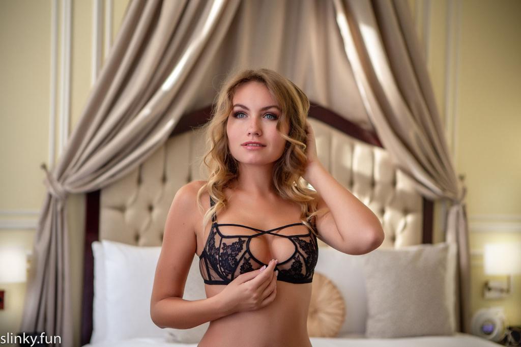Nicole Ross model nude