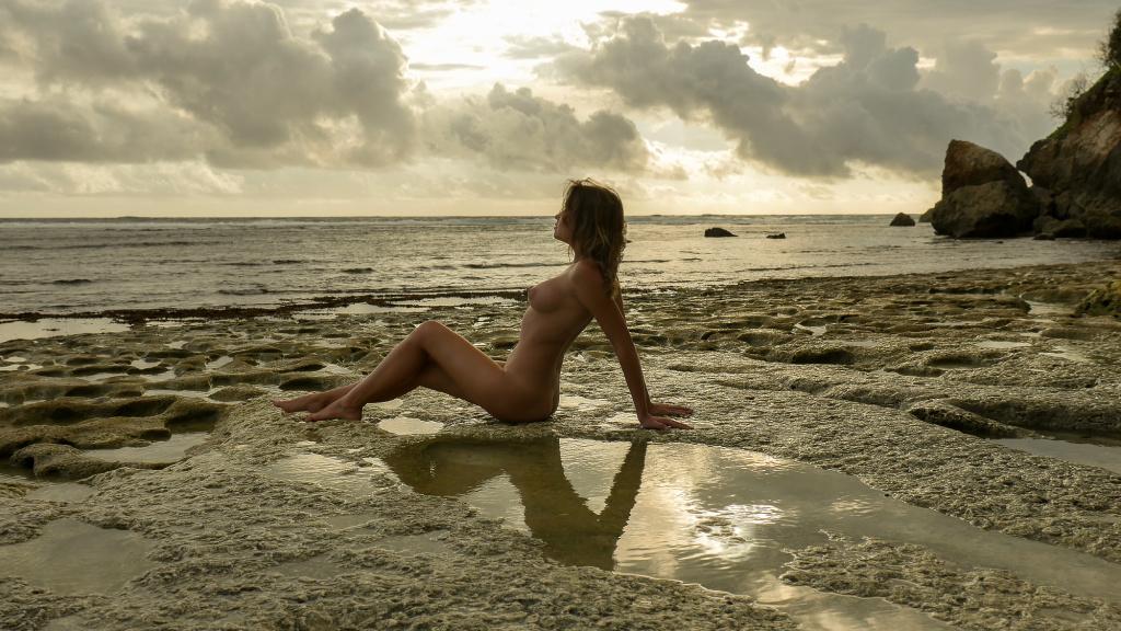 Nude Nicole Ross and Georgy Chernyadyev