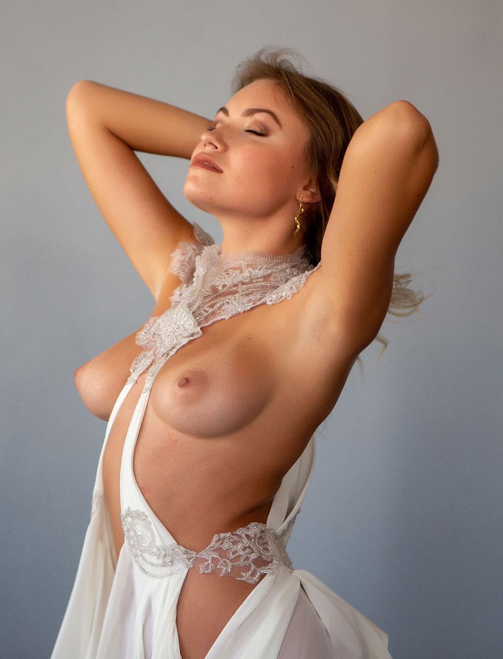 Nicole-ross-model-mk-nude-photo