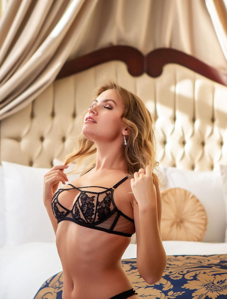 Nicole Ross model nude photo
